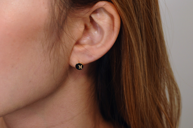 ピナコテーカ 676 スタンプ イニシャル ナンバー 数字 華奢ピアス 片耳  18金,pinacoteca Stamp Initial Number Stud Earrings K18
