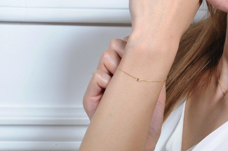 ピナコテーカ 極小サイズ 一粒ダイヤ  アルファベット 華奢ブレスレット 18金,pinacoteca 345 Tiny Initial Necklace K18